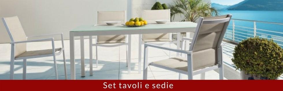 set tavoli e sedie da giardino